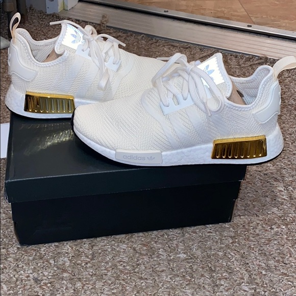Wmns NMD_R1 'Off White Gold'